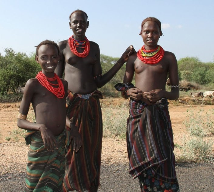 Three Dassanech tribe girls